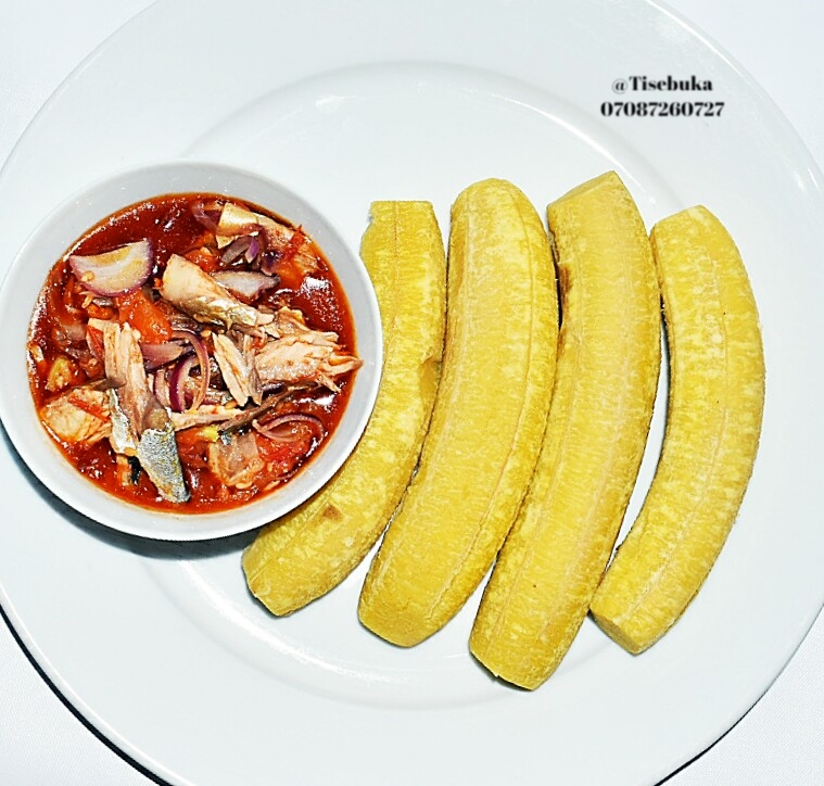Boiled unripe Plantain and Fish Sauce