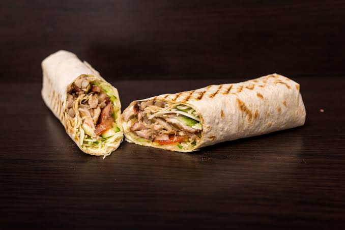 MEDIUM COMBO SHAWARMA